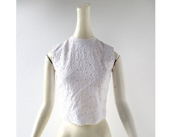 Vintage 50s Blouse / Embroidered Eyelet Blouse / 1950s Blouse / XXS