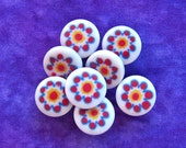 Daisy Vintage Buttons 15mm - 5/8 inch Millefiori Flower Sewing Buttons - 8 VTG Plastic Shank Buttons with Sunburst Daisies on White PL193
