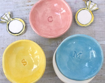 Personalized initial ring holder dish party favors, engagement gift ring holder, bridal shower, birthday party, handmade ceramic