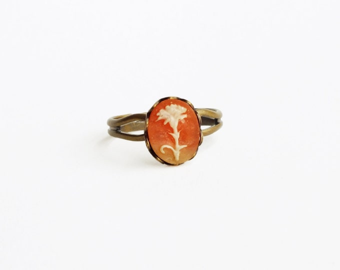 Small Cameo Ring Carnation Ring Vintage Carnelian Cameo Jewelry Tiny Victorian Ring Daisy Jewellery Vintage Style Ring Sweet Gift For Her