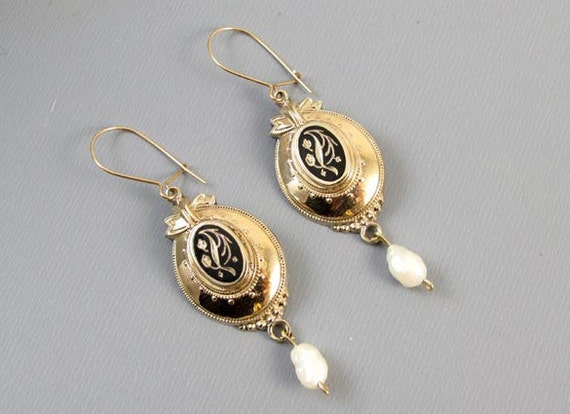 Antique Victorian 14k gold mourning black enamel taille de epargne pearl drop earrings