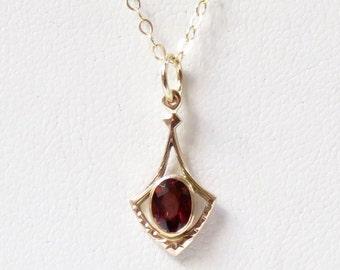 Dainty Edwardian 10k Gold Garnet Pendant Necklace