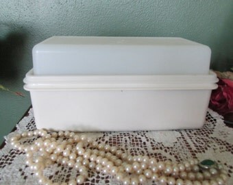 Tupperware Loaf Keeper Perfect Size for Quick Bread Banana or Date Nut