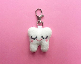 Tooth Keychain - Sweet Tooth Charm - Dental Student Gift - Dentist Gift - Kawaii Tooth - Dental Hygienist Gift - Tooth Charm - Bag Charm