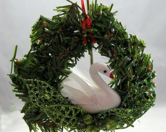 Christmas Swan Swimming Ornament 110