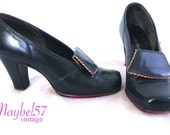 Vintage 1940s Pumps , Ultimate Pinup Shoes , Baby Doll Heels in Navy and Red US 8 EU 38 39
