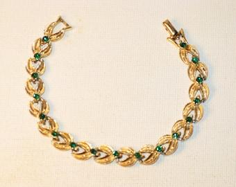 Vintage Coro Emerald Green Rhinestone Gold Tone Bracelet (BR-2-2)