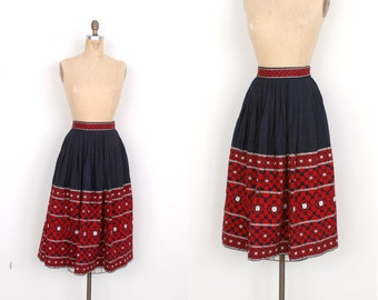 Vintage 1950s Skirt / 50s Guatemalan Embroidered Tourist Skirt / Blue and Red (small S)