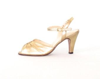 Vintage Gold Heels * 70s Peep Toe Sandals * Gold Heels *  Glitter Shoes * size 6