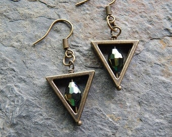 Geometric earrings, modern, green, minimalist, triangle earrings, simple dangle earrings, metallic green, alternative Christmas jewelry