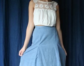 """70s Midi Denim Skirt / Light Wash Jean Skirt / Midi Skirt / High Waisted Jean Skirt /  25"""" Waist"""