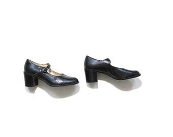 Vintage Leather Mary Janes 8.5 / Black Leather Heels / Mary Jane Heels / Minimal Heels / Block Heel Shoes