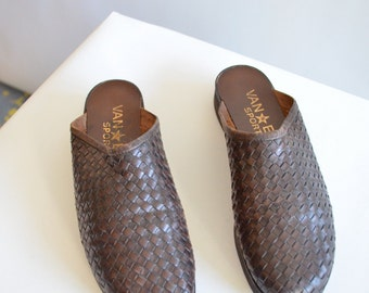 SALE / Vintage WOVEN leather mules / 7.5