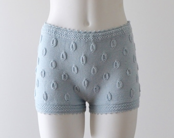 High waisted knitted cashmere/cotton shorts in vintage blue