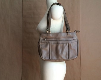 vintage 1970's leather handbag / purse / shoulder bag / neutral taupe / nos deadstock/ never been used