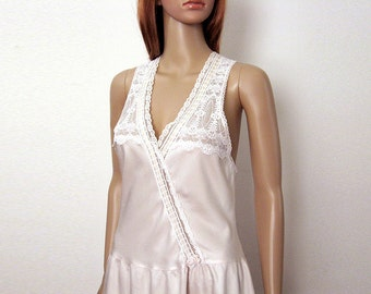 Vintage 1970s Drop Waist Slip Rare Cream White Lacy Low Neck Lingerie Slip Dress / Extra Small to Small
