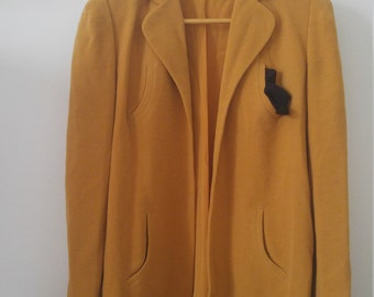1940s gold jacket with western vibes sz small