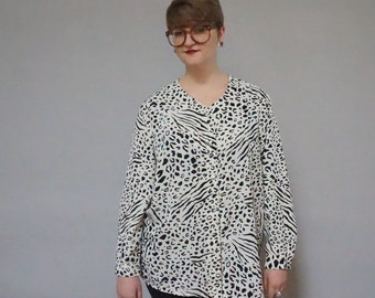 plus size leopard cheetah animal print button up down long sleeve lightweight 90s 1990s club kid cream black exotic print vintage shirt 20