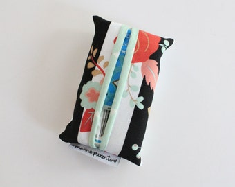 travel tissue case / tissue holder --  striped floral