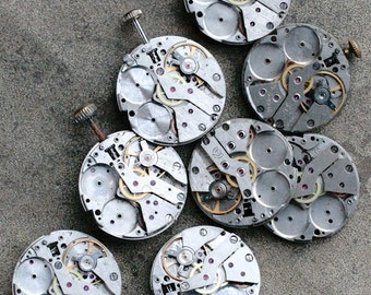 Vintage Watch Movements -- identical -- set of 8 -- D8