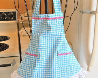 Toddler Apron in Aqua Hounds Tooth