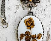 Victorian Golden Rose Cameo Rhinstone Lovers Pendant Silver Tone Necklace Jewelry
