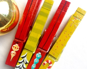 PAINTED CHRISTMAS CLOTHESPINS  red mustard turquoise wooden glitter snow covered trees candy canes vintage ornament magnets