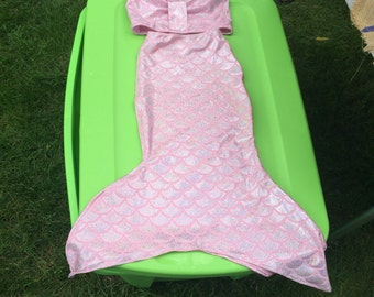 Swimmable mermaid tail with top