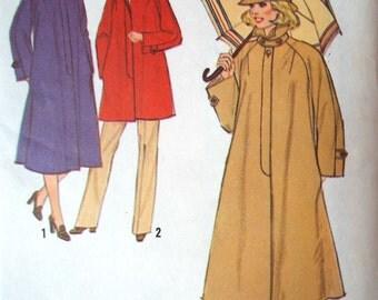 Vintage 1970s Simplicity Rain Coat Sewing Pattern B 39