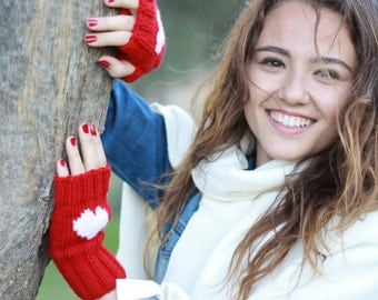 Heart Gloves for women, Knit Fingerless Gloves, Heart Mittens, Valentines day gift, mitten for two, Cozy knitting pattern