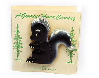 Adorable Skunk Brooch - Carved Wood, Painted - Original Card!