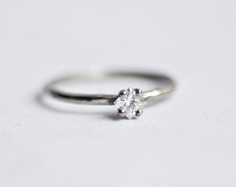 STELLO with Conflict free White DIAMOND in platinum- ready to ship