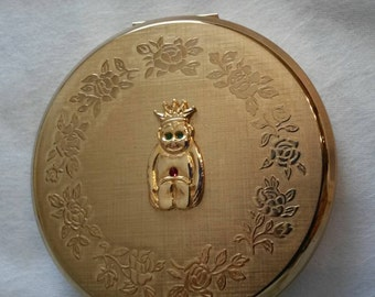 "Stratton Powder Compact; Rondette; Featuring A Rare ""Lucky Billiken"" circa 1950's-1980's   DR242"