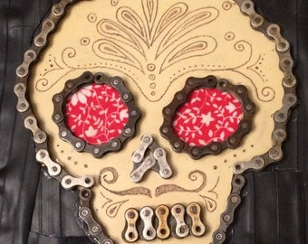 ReCycled rubber skull