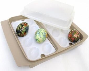 Vintage Tupperware Egg Tray / Deviled Egg Carrier / Egg Holder, 70s Kitchenware, Storage Container
