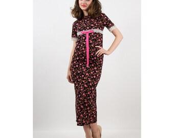 Vintage wiggle dress / 1960s dark floral slim fit column dress / Empire waist / S