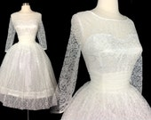 Vintage 1950s Dress //White Lace// 50s Dress //New Look //Femme Fatale//Rockabilly//Mod//Wedding Dress//Larger Size