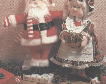 1980s Marge Toner Mr & Mrs Santa Claus Soft Sculptured Dolls 20 Inch Simplicity Sewing Pattern 7067 UnCut Vintage Fabric Doll Patterns