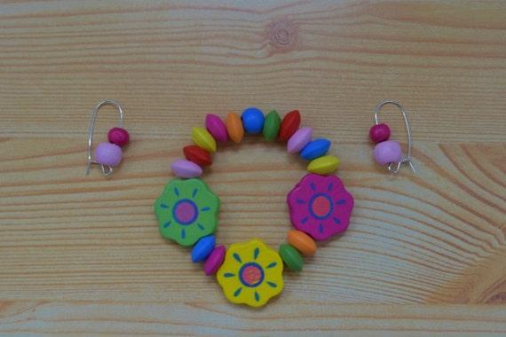 Girls set,girls bracelet,wood bracelet,girls earrings,children bracelet,flowers bangle,girls jewelry set,girl bracelet,girl earrings