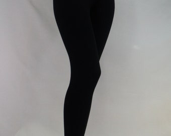 Black leggings in Bamboo/Cotton/Spandex jersey with 4 way stretch.