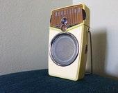 Vintage Transistor Radio Space Age Atomic AM FM Plastic Rockabilly Radio 90s does 50s Retro Beach Boy Lime Green with Stand by Beach Boy