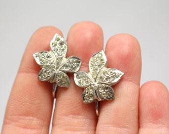 Vintage Krementz Leaf Rhinestone Screwback Earrings