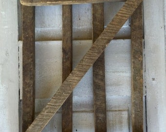 Picket Fence primitive wall decor made with reclaimed wood