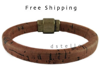 FREE SHIPPING, Thick cork bracelet, Men's cork bracelet, Cork bangle, Old gold magnetic clasp, Cork cord wrapped around a leather core