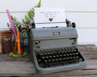 Antique Royal Typewriter - Manual Typewriter - Vintage Home Decor - Wedding Decor - Guestbook Table - Fall Decor - French Country - Rustic