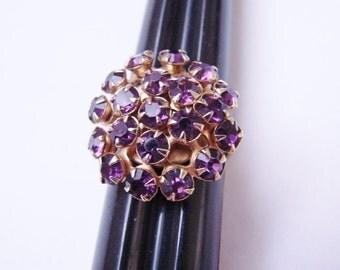 Vintage Amethyst Rhinestone Cluster Ring / Gold Tone / Costume Jewelry / Jewellery