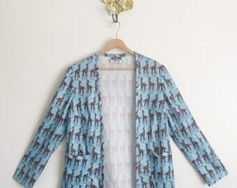 Vtg 70s Novelty Print Blazer • Baby Blue Giraffe Print - M/L