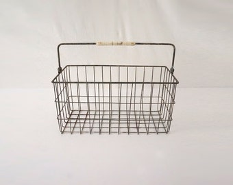 Wire Milk Delivery Basket with Handle / Rustic Storage