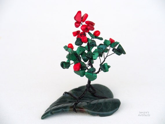 Wire Tree sculpture Gemstone Tree of Life Miniature home office desk decor Bonsai Gift red green decoration nature inspired coral malachite