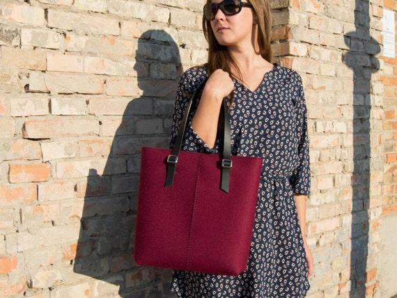 Felt TOTE BAG / leather straps / burgundy / felt women's bag / 100% wool felt / made in Italy